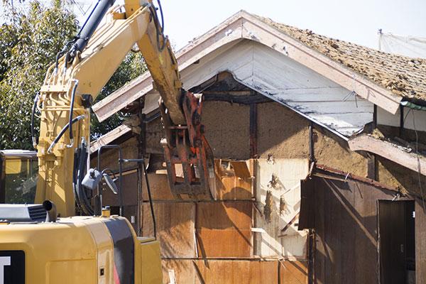 古い家屋の解体